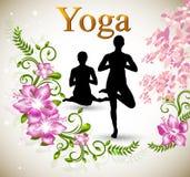 Postura de la yoga de Asana con la orquídea rosada Imagen de archivo