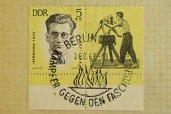 Postzegels van verschillende landen en tijden Achtergrond stock foto's