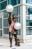 Poszukiwanie Centrum Omaha Nebraska, cyrkowy wykonawca obrazy stock