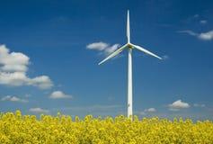 Potência que gera o moinho de vento Fotos de Stock