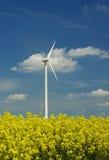 Potência verde do moinho de vento Foto de Stock Royalty Free