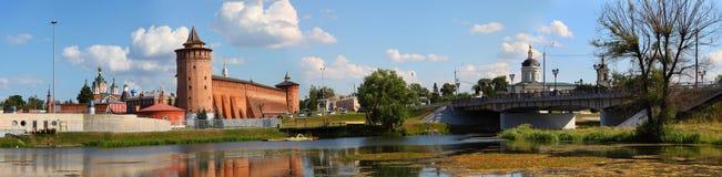 Potężne ściany Kremlin panorama zdjęcie royalty free