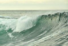 Potężny ocean fala łamanie Fala na powierzchni ocean Fala przerwy na płytkim banku Fotografia Stock