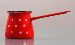 Pot émaux avec la poignée Image stock