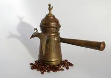 Pot antique de café images libres de droits