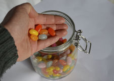 Pot avec des bonbons à sucrerie Photo stock