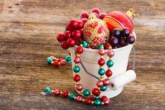 Pot avec des décorations de Noël Photo stock