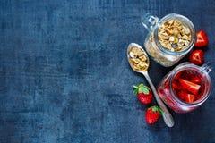 Pot avec la granola Image libre de droits
