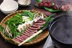 Pot chaud de canard sauvage de canard, Japonais un plat de pot Images libres de droits