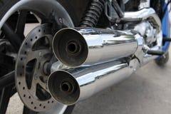 Pot d'échappement brillant d'une moto Images libres de droits