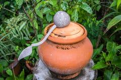 Pot d'argile de l'eau Photos libres de droits