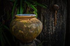 Pot d'eau potable  images stock