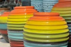 Pot dans beaucoup colorés Photo libre de droits