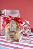 Pot de biscuits sablés en forme d'étoile Photos stock