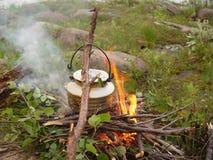 Pot de café - feu de camp Photos stock
