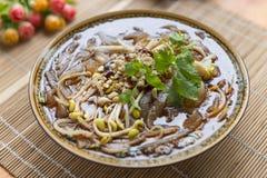 Pot de froid de nouilles d'amidon de patate douce Photo libre de droits