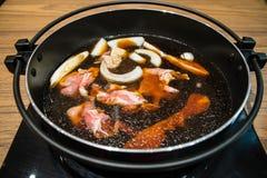 Pot de Sukiyaki de Japonais photos libres de droits
