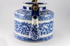 Pot de thé avec le thé en Asie. Image stock