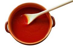POT di terracotta con salsa Fotografie Stock Libere da Diritti