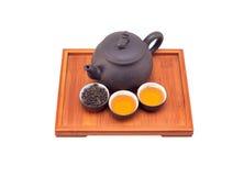 POT e tazze di argilla cinesi del tè verde Fotografia Stock Libera da Diritti