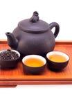 POT e tazze di argilla cinesi del tè verde Immagine Stock