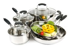 POT e vaschette dell'acciaio inossidabile con le verdure Fotografie Stock