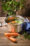 Pot met bouillon royalty-vrije stock foto