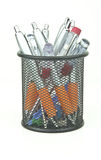 POT nero che contiene le penne e roba di rifiuto Fotografie Stock Libere da Diritti