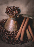 Pot oriental de café de vintage Photographie stock libre de droits