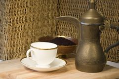POT, teacup & groun giordaniani d'ottone del caffè Fotografia Stock