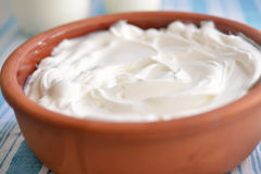 Pot with yogurt Royalty Free Stock Photography