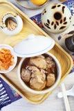 Potage au poulet noir d'ail Photos stock