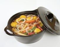 Potage d'oignon et de veggie Photo stock