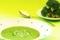 Potage de broccoli Photographie stock libre de droits