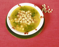 Potage de pois chiche et d'épinards Photos libres de droits