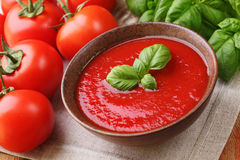 Potage de tomate Photos stock