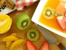 Potage orange avec des épices Image libre de droits