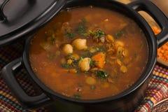 Potage traditionnel marocain - harira photo libre de droits