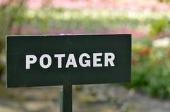 Potager geschrieben auf ein Zeichen (Gemüsegarten) Stockfotos