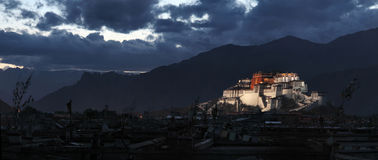 potala дворца стоковая фотография rf