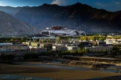 Potala kloster i Tibet Arkivbilder