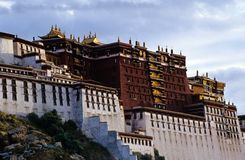 Potala palace. In Lhasa Tibet. China, 100vs, 2005 Royalty Free Stock Photos