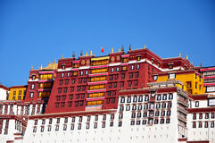 Potala slott i Lhasa, Tibet  Arkivfoto