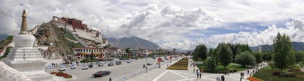 Potala slott i Lhasa, Tibet region Royaltyfri Fotografi