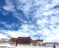 Potala slott i Tibet, Kina arkivfoto