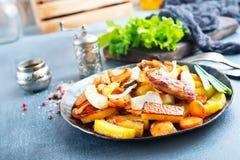 Potatis med meat royaltyfri fotografi