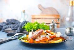 Potatis med meat arkivfoto