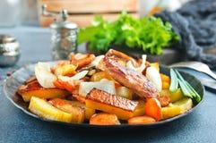 Potatis med meat fotografering för bildbyråer