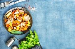 Potatis med meat arkivbilder