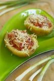 Potatis med meat och ost arkivfoto